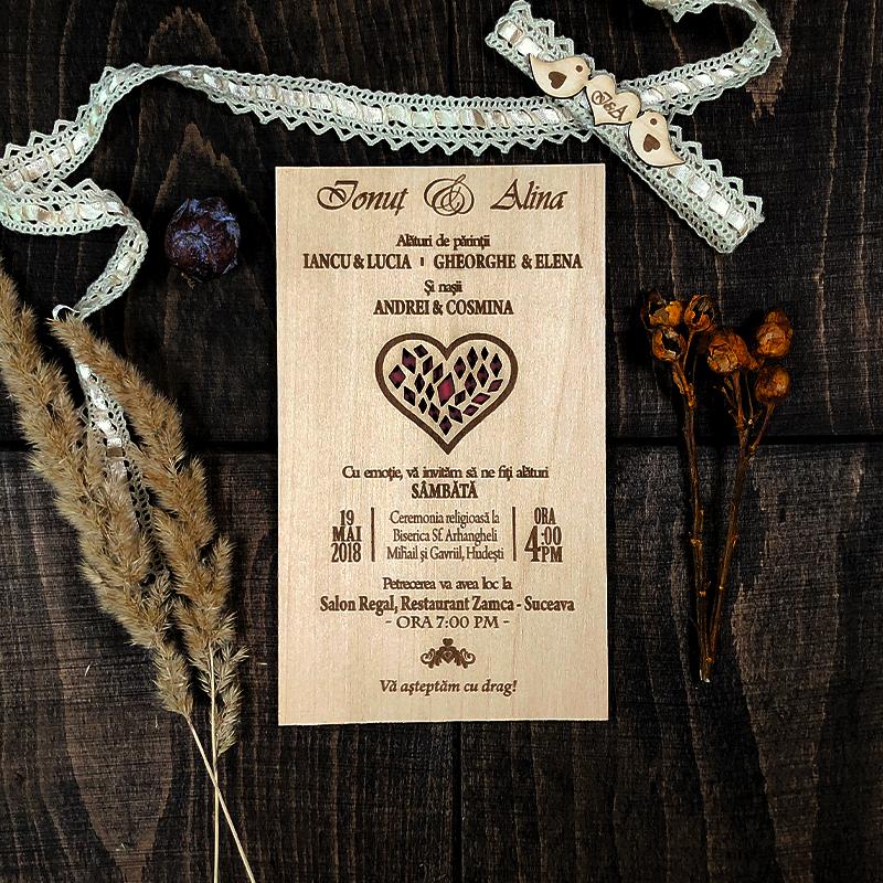 Invitaţie gravată pe lemn Red Heart