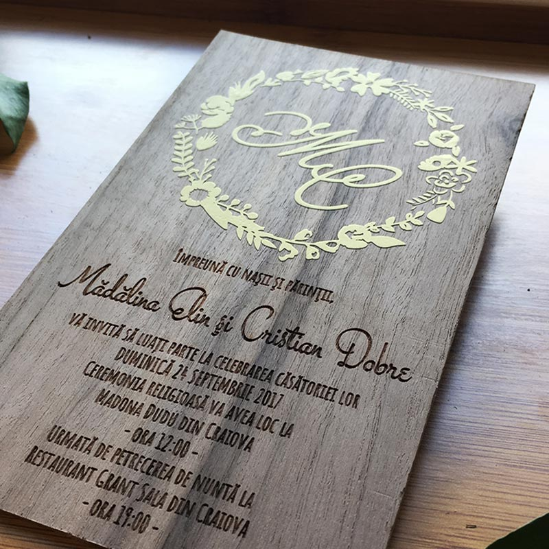 Invitatie-de-lemn-Gold-foil-5