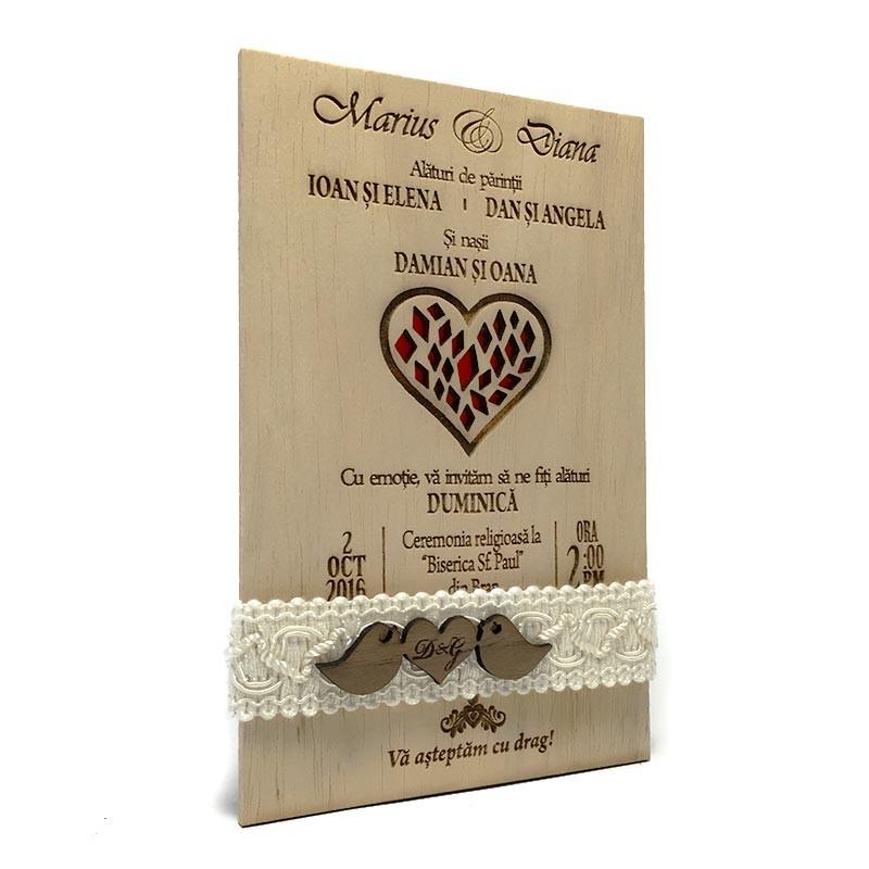 invitatie-gravata-pe-lemn-red-heart1